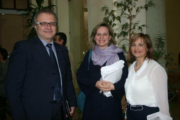 Paola di Nicola, al centro della foto.